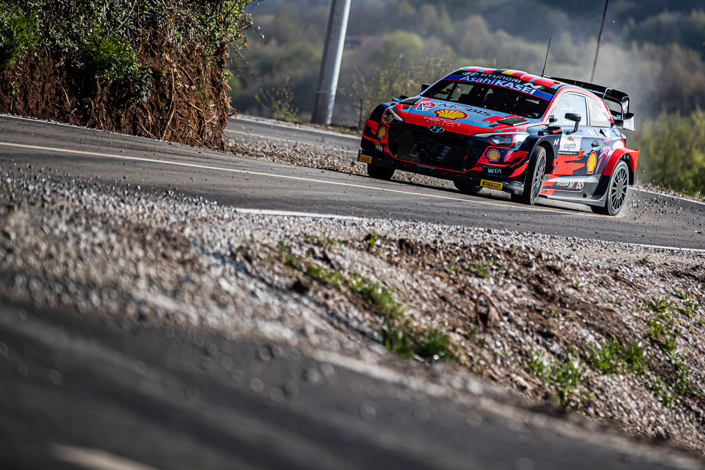 Leg one midday report: Neuville leads Croatia Rally after near-perfect start - 2