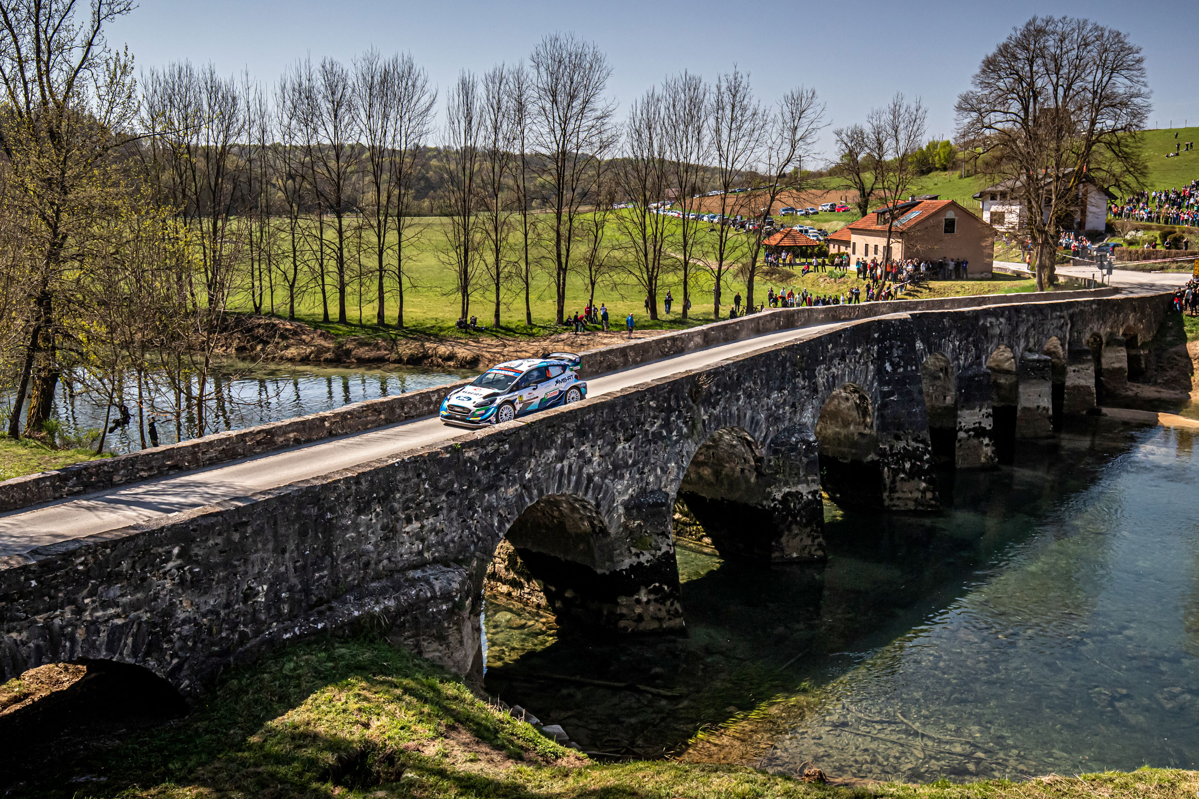 Leg two midday report: Ogier in front after dramatic turnaround in Croatia - 2